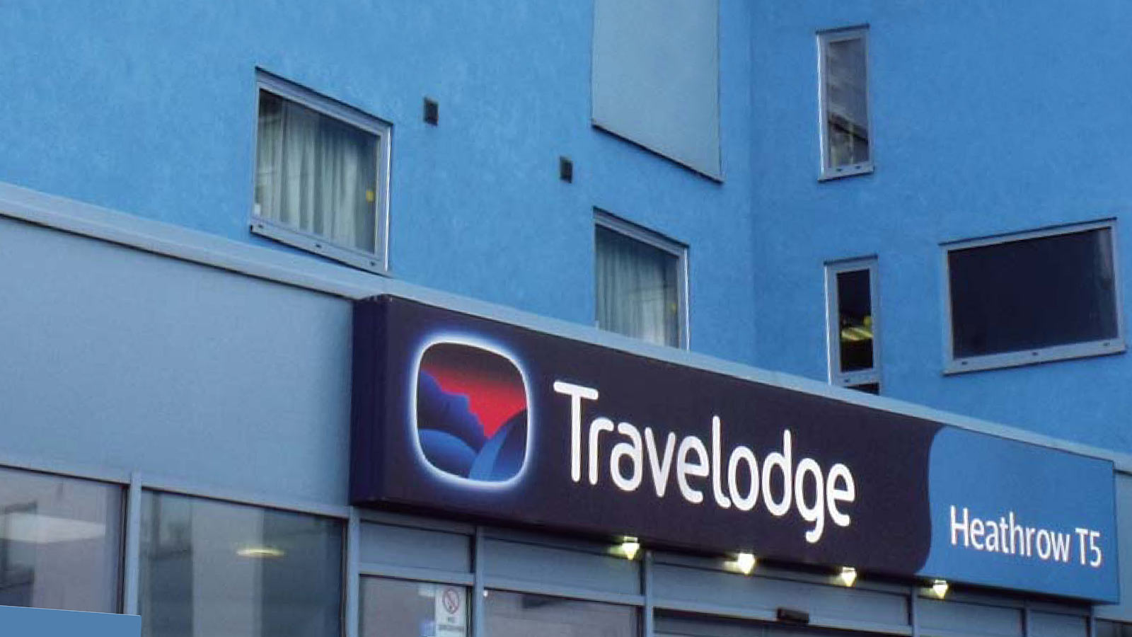cs-t5-travelodge-heathrow-header.jpg
